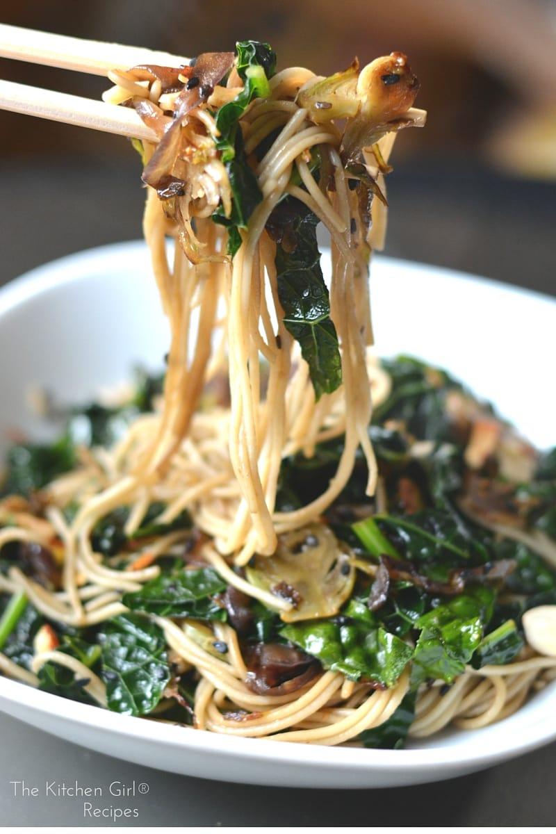 Saut 233 Ed Sesame Kale Noodles Asian Vegan Noodles Ready In