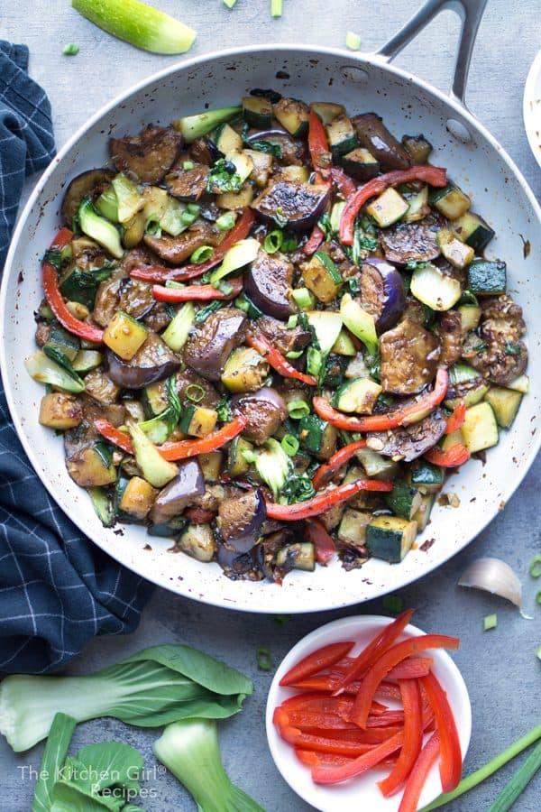 Everyday veggies in a savory Chinese sauce! Stir Fry Vegetables with Black Bean Sauce [Meal Prep Recipe] #stirfry #vegan #vegetarian #mealprep #mealplan #Chinesefood #weeknightmeal #blackbeansauce